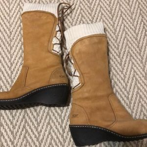 Ugg wedge suede boots - sweater top